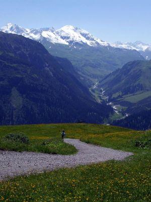 Winter und Sommer, Berg und Tal, Licht und Schatten, nah und fern, vergänglich und ewig